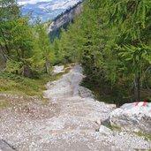 D-8520-wanderweg-zur-karlsbader-huette-stufen.jpg