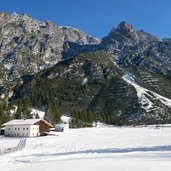 pinnistal issenanger alm winter